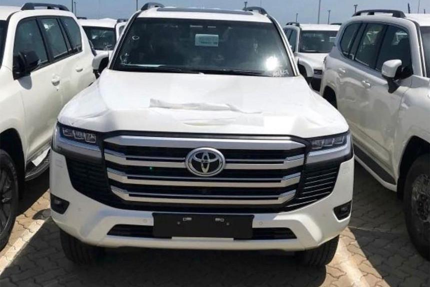 Новый Toyota Land Cruiser 300 перед запуском: характеристики