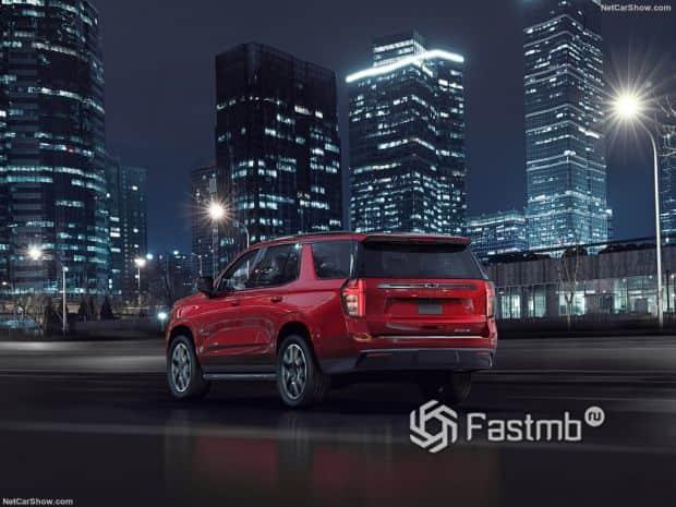 Chevrolet Tahoe 2021, вид сзади и сбоку слева