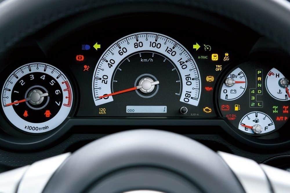 Toyota FJ Cruiser приборка