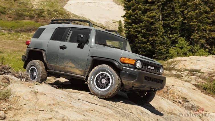 Toyota FJ Cruiser на бездорожье