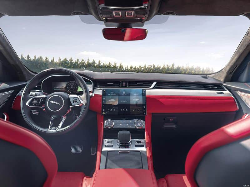 Салон Jaguar F-Pace 2020