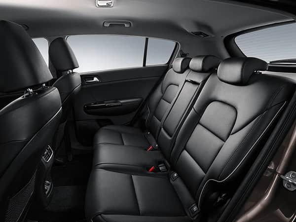 Второй ряд сидений Kia Sportage IV