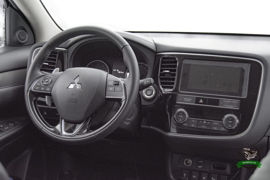 Mitsubishi Outlander салон